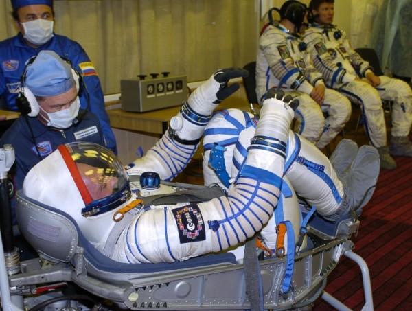 Na zdjęciu: kosmonauta André Kuipers członek załogi ''Delta Mission'' w fotelu astronauty