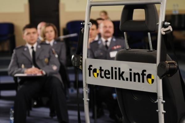 Eksperci serwisu fotelik.info szkolą również policję.