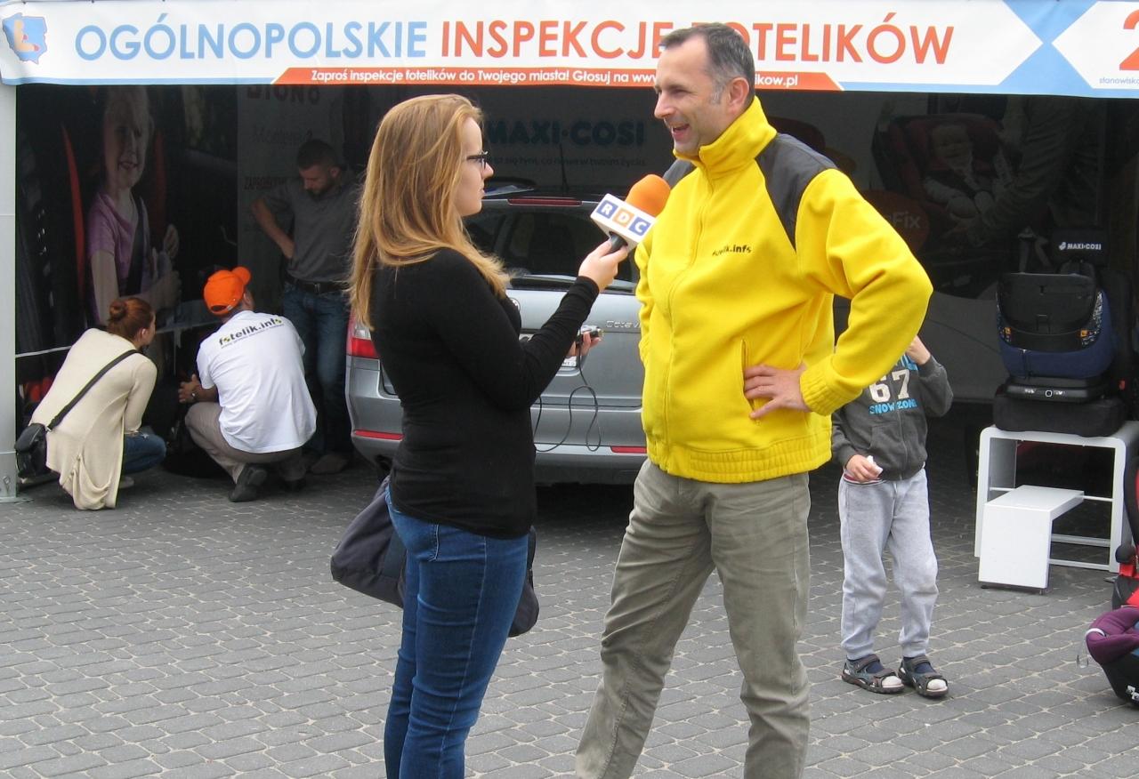 Biomechanik zderzeń i ekspert od spraw bezpieczeństwa dzieci w samochodach - Paweł Kurpiewski, szerzy dobrą nowinę ;-)