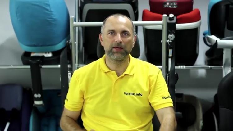 Paweł Kurpiewski wyjaśnia DLACZEGO wożenie dziecka o wzroście 135 cm wzrostu BEZ fotelika, to fatalny pomysł. Zobacz VIDEO