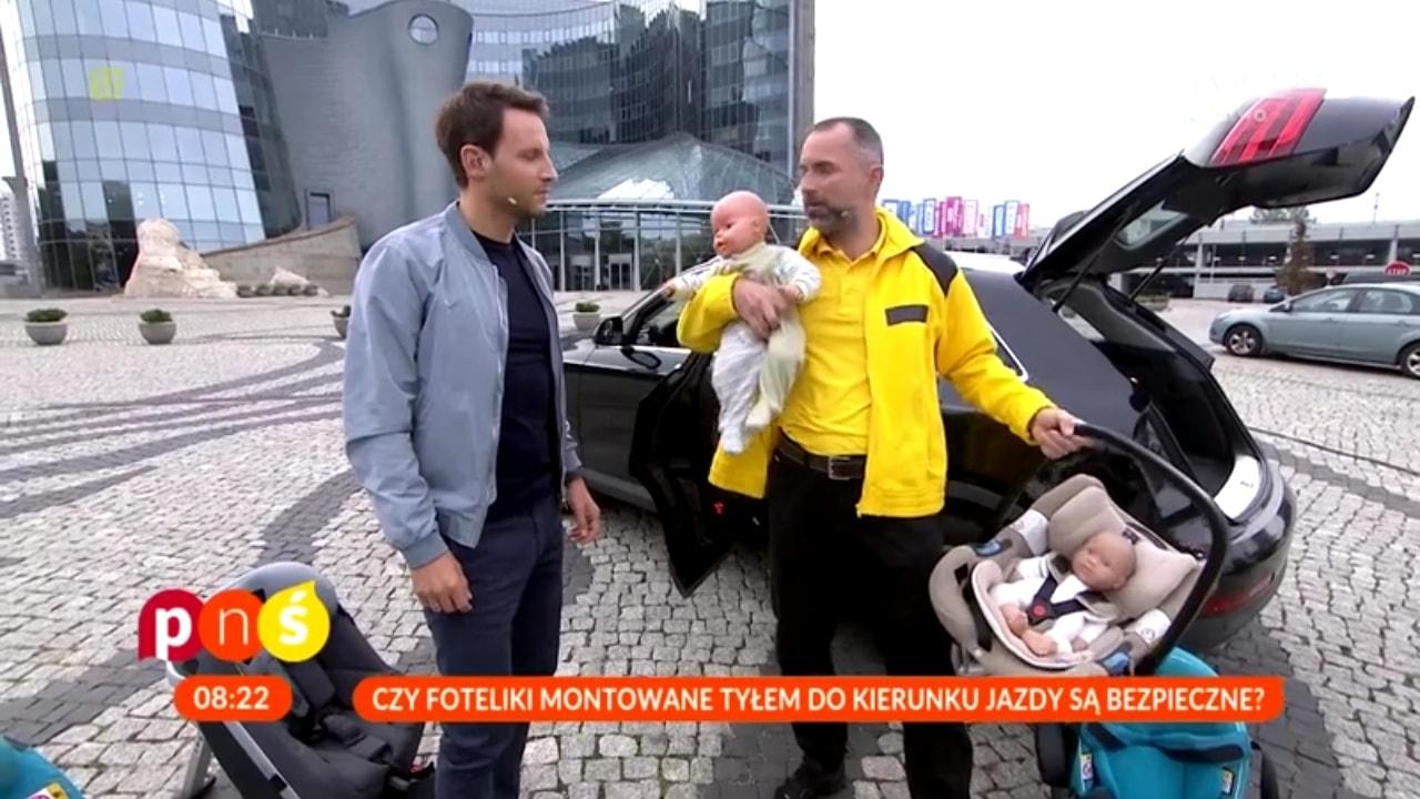 Tomasz Wolny w roli prowadzącego oraz znana z YT lalka - Zenek ;-)