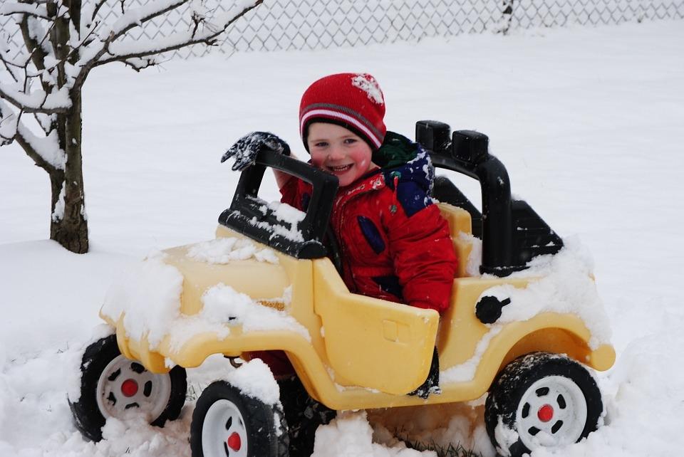 Nowy Rok - nowi my! Jako, że nasza strona fotelik.info zapytaj była ostatnio trochę zapomniana, wracamy do niej z podwójną siłą i odpowiadamy na pytania dotyczące bezpieczeństwa dzieci w samochodach :)