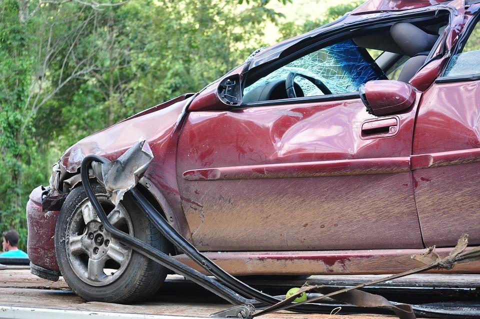 Pamiętaj aby NIGDY nie używać fotelików, które brały udział w wypadku. Nawet jeżeli na pierwszy rzut oka wydają się być w dobrym stanie.