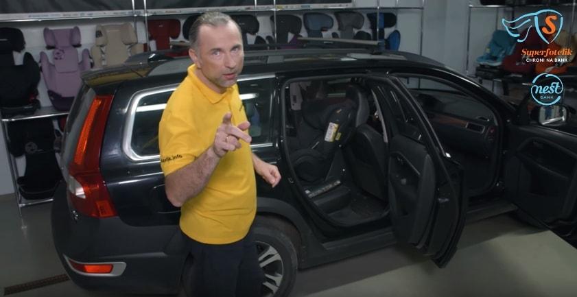 Jeśli nie przymierzysz fotelika do samochodu może okazać się, że mimo 5 w testach jest kompletnie niekompatybilny z kanapą!