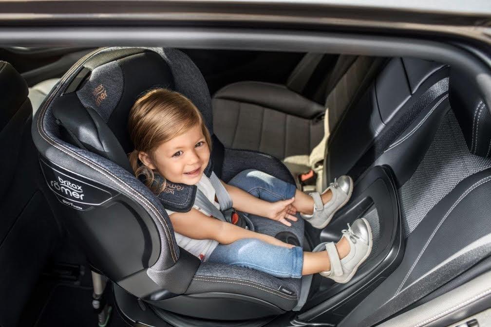 Im dłużej tyłem do kierunku jazdy, tym lepiej i bezpieczniej dla Twojego dziecka ;-)