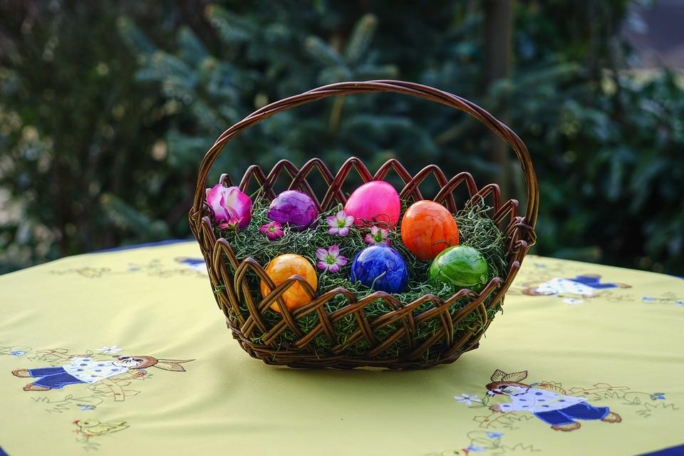 Niech dadchodzące swięta będą piękne, radosne i BEZPIECZNE :-)