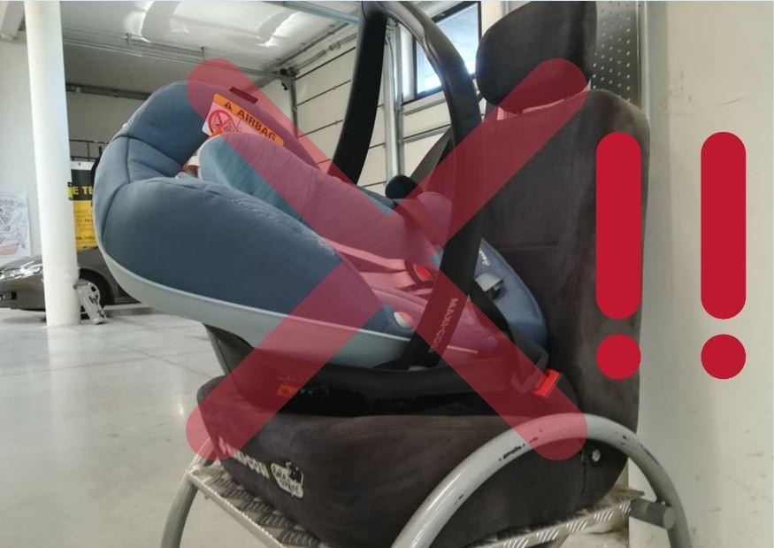 Tak zamontowany fotelik, będzie latać na boki nawet przy najlżejszych zakrętach. Podczas wypadku, dziecko w takim foteliku nie ma żadnych szans na ochronę