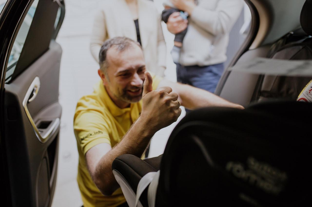 Paweł Kurpiewski, o pseudo-fotelikach w Radiu PLUS! Odsłuchaj materiał na temat niebezpiecznych fotelików samochodowych i rowerowych. Link poniżej!