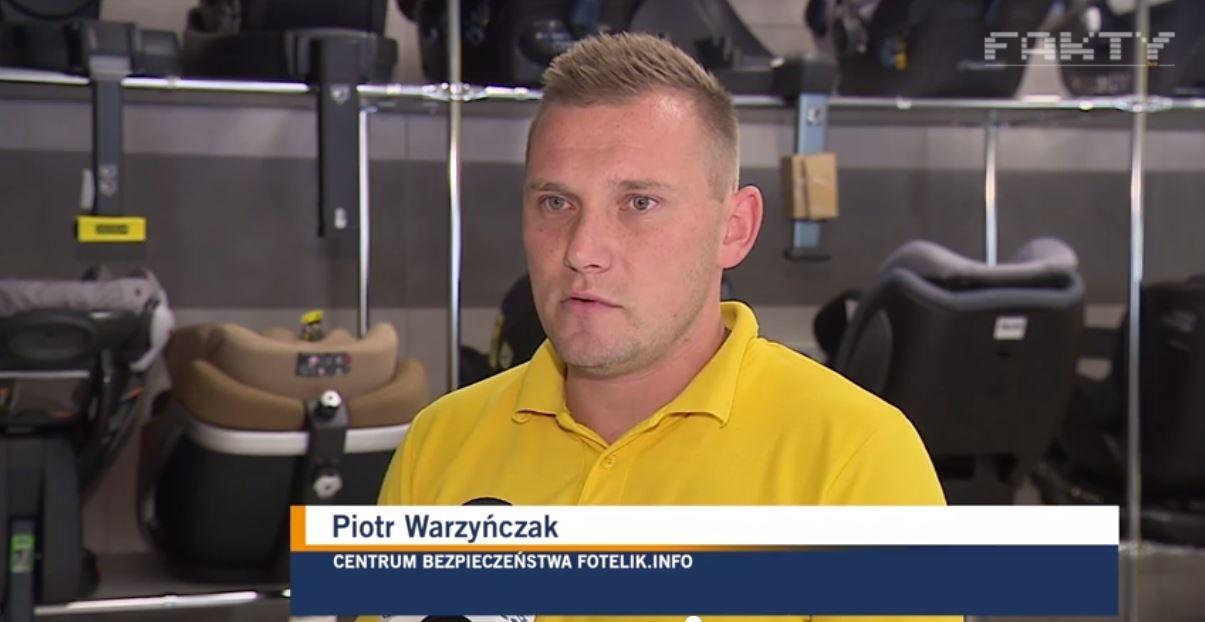 Piotr Wawrzyńczak z fotelik.info, komentuje wypadek z udziałem dziecka, które wypadło z samochodu podczas jazdy.