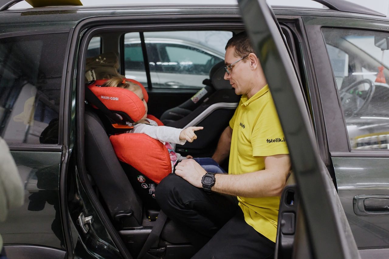 Nie każdy fotelik samochodowy pasuje do każdego dziecka. Sprawdź, jak wybrać dobry fotelik dziecięcy 15-36 kg