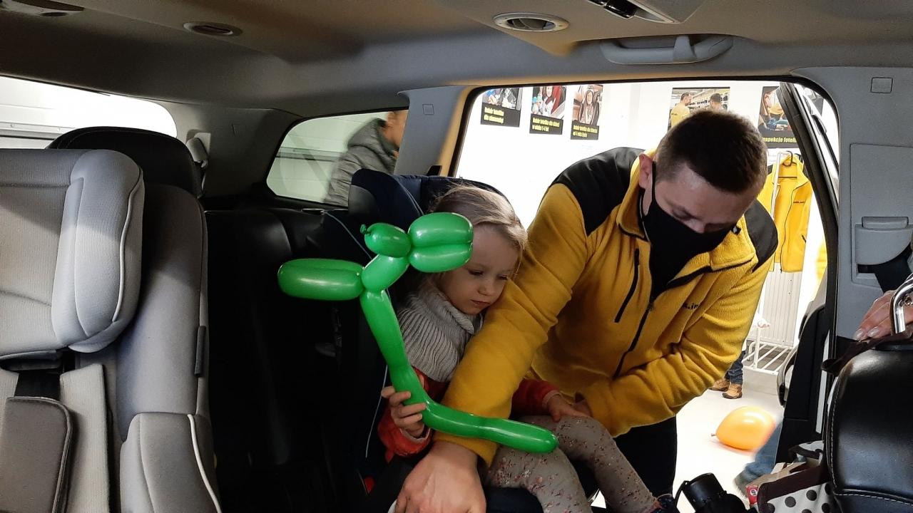 Chcesz dobrać fotelik indywidualnie do swojego dziecka i swojego samochodu? Umów się na wizytę i przyjeżdżaj na Konarskiego 39 w Skarżysku- Kamiennej!