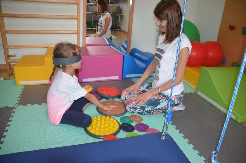 Fizjoterapeutka Natalia Krajniak na co dzień zajmuje się rehabilitacją noworodków, niemowląt i dzieci