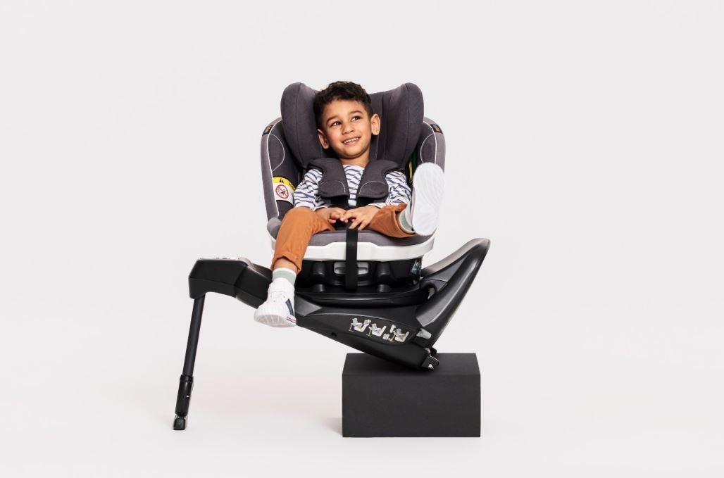 Na zdjęciu, fotelik obrotowy BeSafe iZi Turn B i-Size. Zdjęcie poglądowe, źródło: