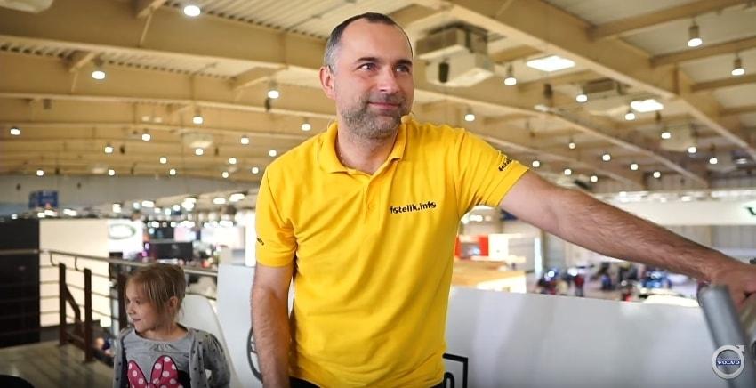 Paweł Kurpiewski, biomechanik zderzeń, ekspert ds. bezpieczeństwa dzieci w samochodach i twórca fotelik.info, od 20 lat pomaga rodzicom szukającym bezpiecznego fotelika samochodowego dla dziecka