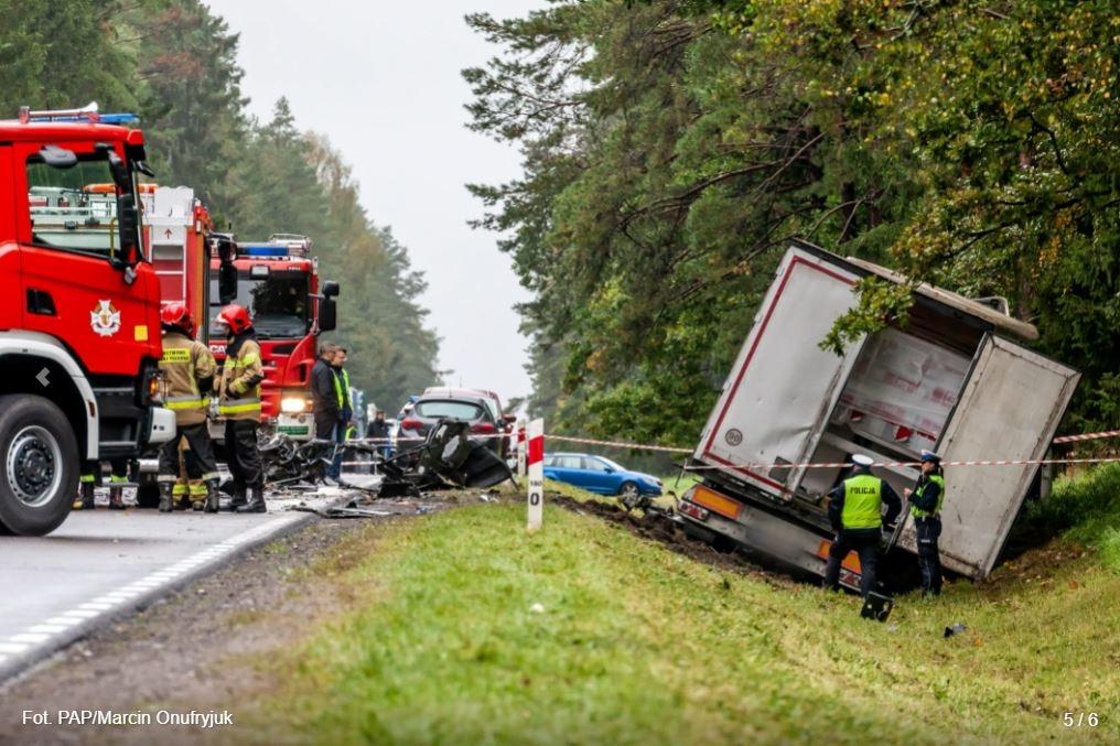 https://www.pap.pl/aktualnosci/news%2C950114%2Ccztery-ofiary-smiertelne-wypadku-na-podlasiu-trasa-do-bobrownik-zablokowana