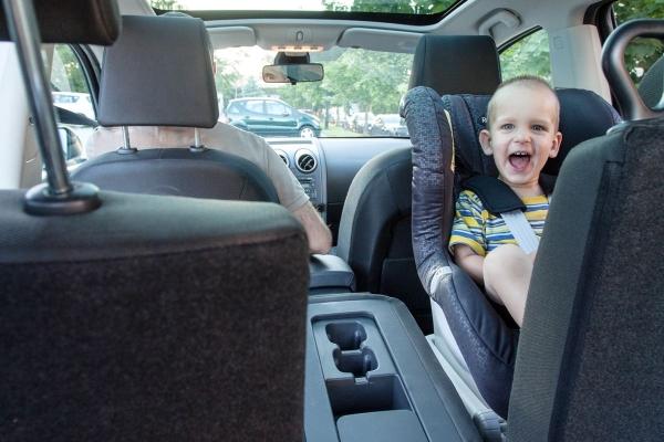 Wprowadzenie fotelików tyłem do kierunku jazdy na masową skalę w USA przyniosło zmniejszenie liczbę ofiar wypadków wśród dzieci